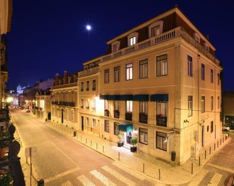 Hotel As Janelas Verdes Inn