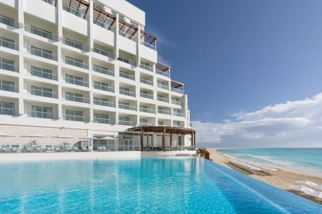 Hotel Sun Palace Couples Only All-Inclusive