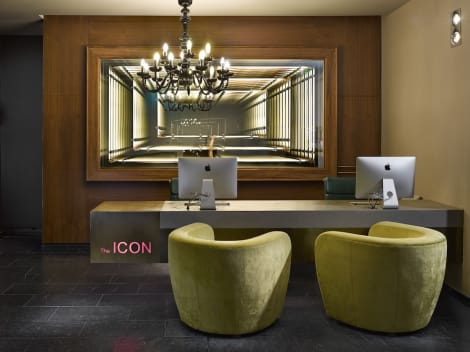 Hotel The ICON Hotel & Lounge