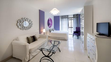 HotelWoo Travelling Plaza de Oriente Homtels