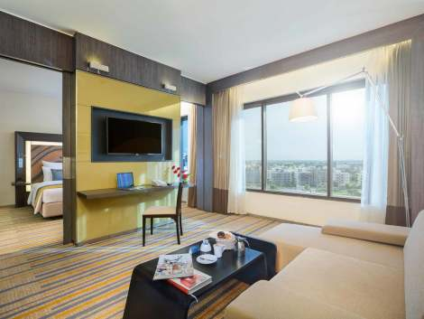Hotel Novotel Kolkata Hotel And Residences