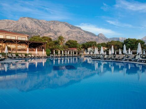 HotelCrystal Flora Beach Resort & Spa