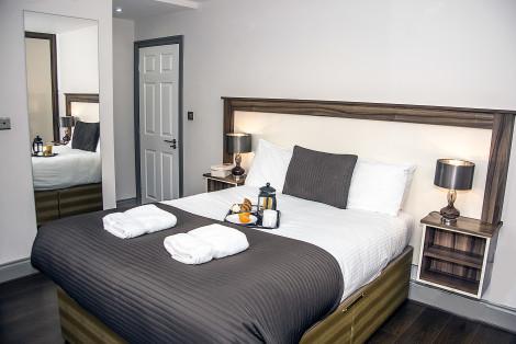 Base Serviced Apartments - Sir Thomas Street Hotel