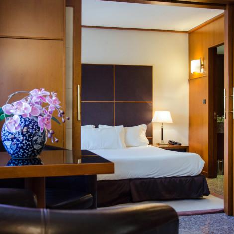 HotelGoldstar Resort & Suites