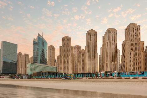 ... Apartments Dubai Marina Hotel. Ramada Plaza Jumeirah Beach Hotel
