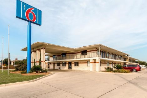 Hotel Motel 6 San Antonio - South Ww White Road