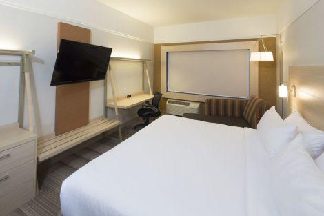 HotelHoliday Inn Express & Suites ALPENA - DOWNTOWN
