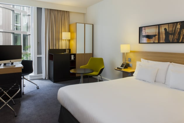 DoubleTree by Hilton Amsterdam Centraal Station Hotel thumb-2