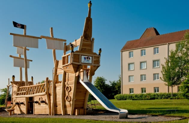 Explorers Hotel At Disneyland Paris Hotel Magny Le Hongre From 102 Lastminute Com