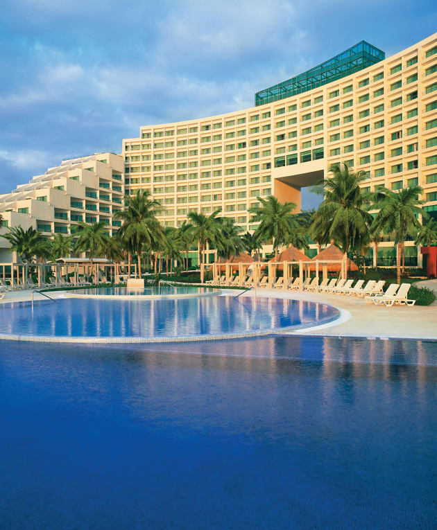 Beach Resort: Live Aqua Beach Resort Hotel (Puerto Cancun) From £350