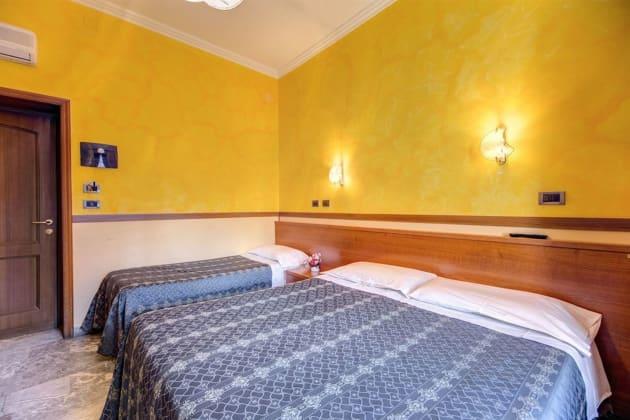 Hotel Soggiorno Blu (Rome) from £46 | lastminute.com