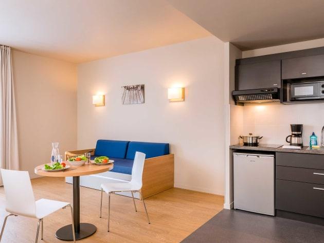 auberge aparthotel adagio access dijon r publique dijon partir de 45. Black Bedroom Furniture Sets. Home Design Ideas