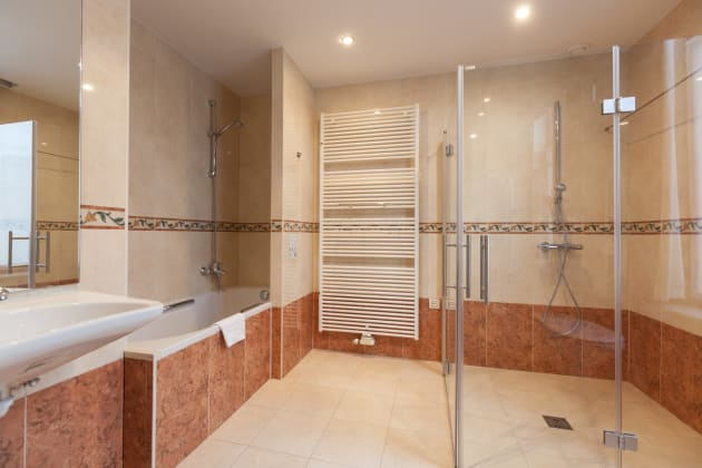 Badkamer Story Hotel : Hotel weinebrugge bruges from £ lastminute