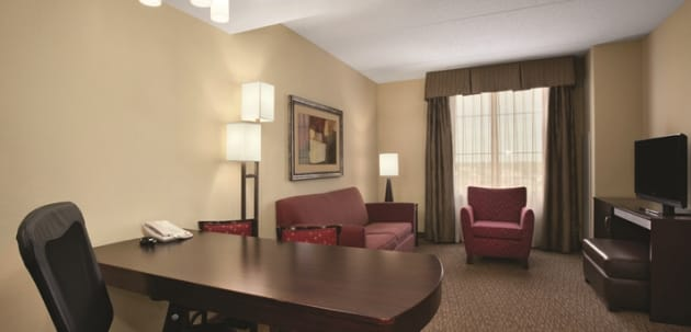 Hotel Embassy Suites by Hilton Minneapolis North 1