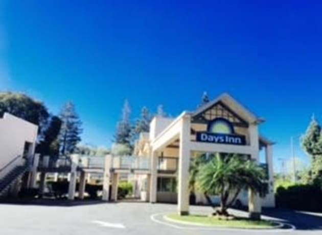 Hotel Days Inn By Wyndham Redwood City 1