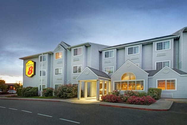 Hotel Super 8 By Wyndham Sacramento North thumb-1
