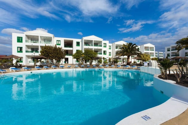 Apartamentos Blue Sea Costa Teguise Beach Hotel 1