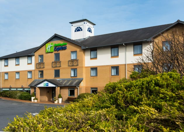 Hotel Holiday Inn Express Swansea - East 1