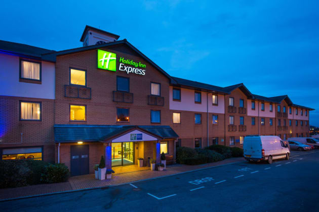 Hotel Holiday Inn Express Swansea - East thumb-3