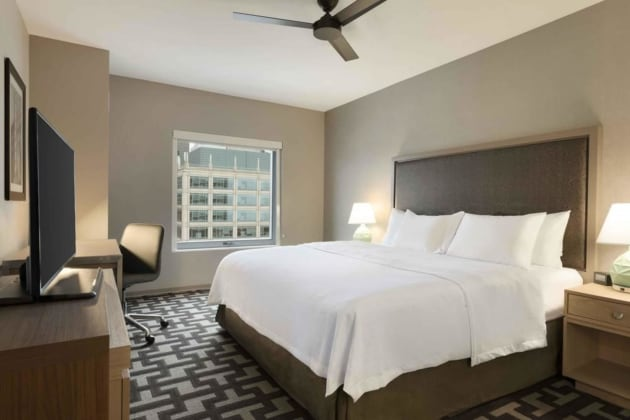 Hotel Homewood Suites By Hilton Chicago Downtown West Loop thumb-3