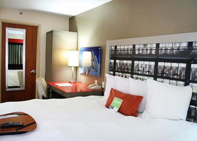 hampton inn manhattan madison square garden area hotel. Black Bedroom Furniture Sets. Home Design Ideas