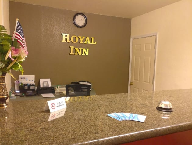 Motel Royal Inn Eugene thumb-2