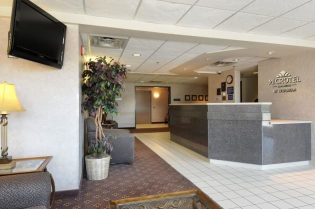Hotel Microtel Inn & Suites by Wyndham Bloomington/Minneapolis thumb-2