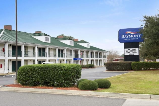 Baymont by Wyndham Thomasville Hotel thumb-1