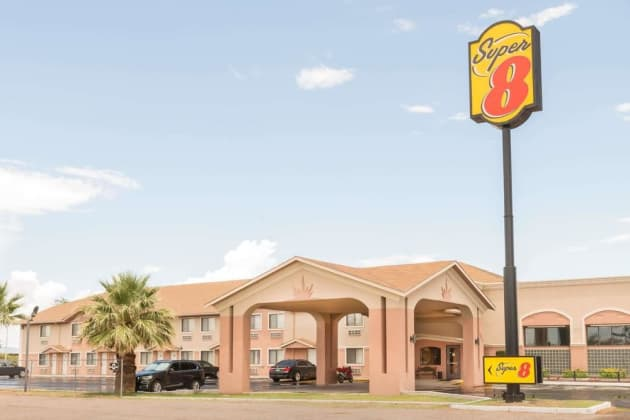 Super 8 by Wyndham Deming NM Hotel 1