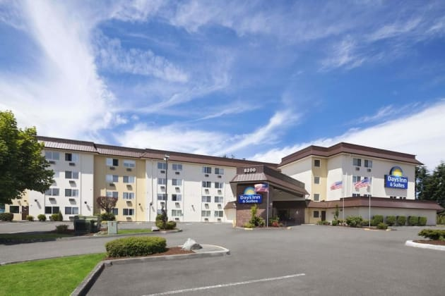 Days Inn by Wyndham Lacey Olympia Area Hotel 1