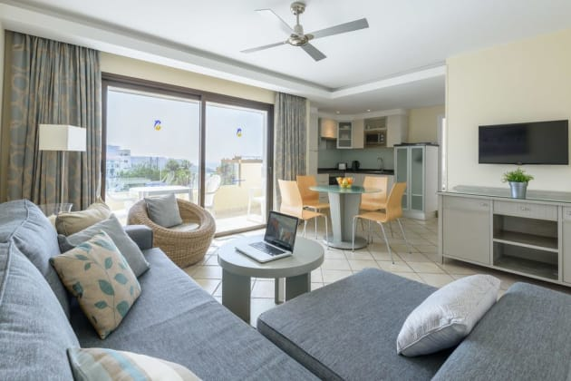 Pearly Grey Ocean Club Apartments & Suites Hotel 1