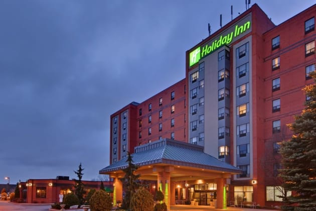 Holiday Inn & Suites Windsor Ambassador Bridge Hotel 1