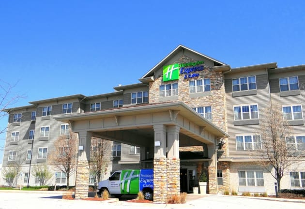 Holiday Inn Express & Suites Chicago West-Roselle Hotel 1