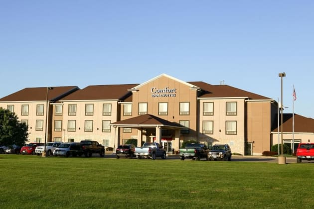 Comfort Inn And Suites Hotel 1