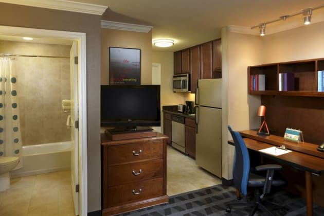 TownePlace Suites by Marriott Houston North / Shenandoah Hotel thumb-4