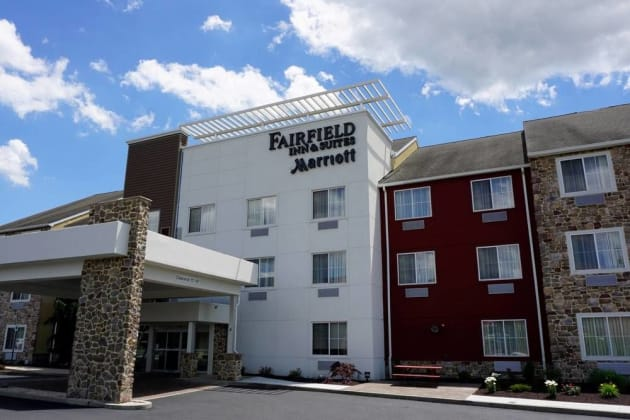 Fairfield Inn & Suites by Marriott Lebanon Valley Hotel 1