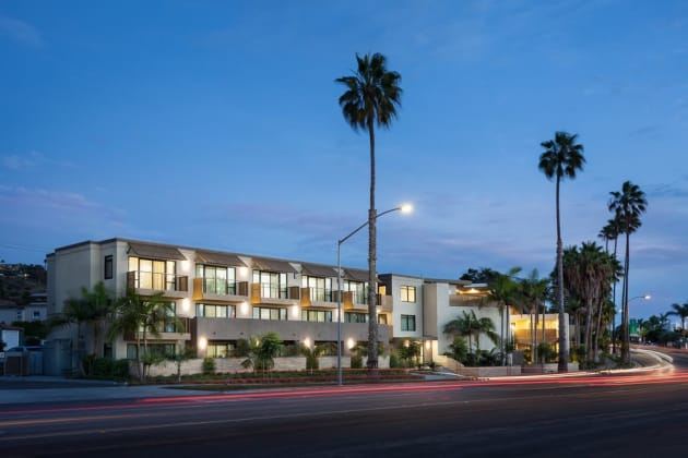 Holiday Inn Express & Suites La Jolla - Beach Area Hotel 1