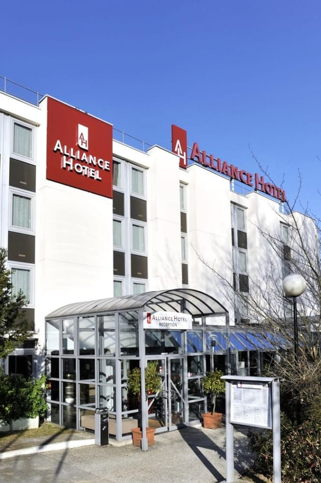Best Western Paris Saint-Quentin Hotel thumb-4