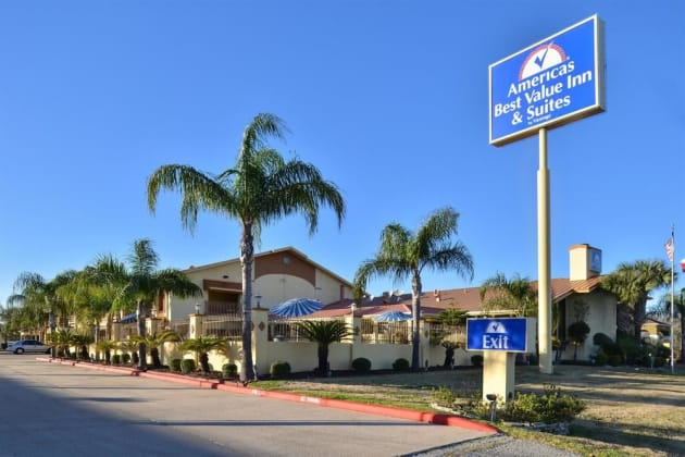 Americas Best Value Inn & Suites Alvin Houston Hotel 1