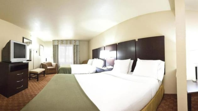 Holiday Inn Express Hotel & Suites Muskogee Hotel thumb-4
