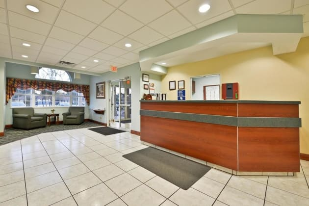 Americas Best Value Inn & Suites - Lake Charles/I-210 Exit 5 Hotel thumb-3