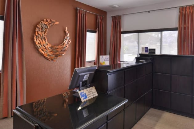 Best Western Royal Palace Inn & Suites Hotel thumb-3