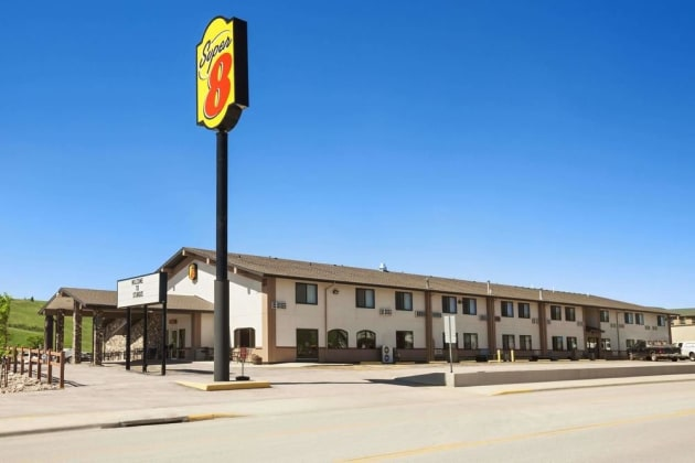 Super 8 by Wyndham Sturgis Hotel 1