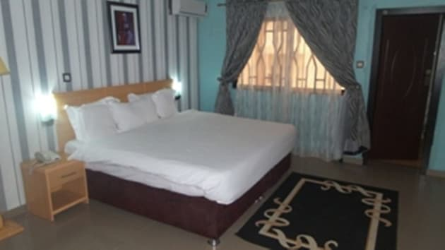 Jasmines Place and Suites Hotel 1