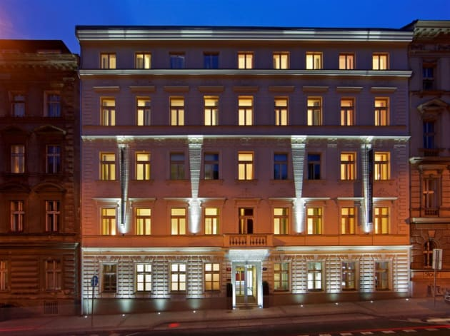 Red blue design hotel praga desde 44 rumbo for Design hotel praga