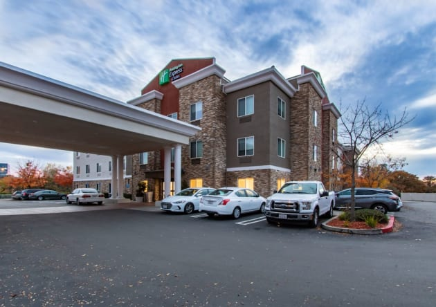 Hotel Holiday Inn Express Hotel & Suites Roseville-Galleria Area 1