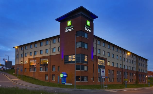Holiday Inn Express LONDON - LUTON AIRPORT Hotel 1