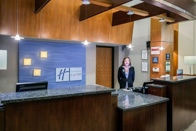 Holiday Inn Express Rolling Meadows - Schaumburg Area Hotel thumb-4