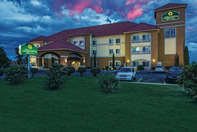 La Quinta Inn & Suites by Wyndham Deming Hotel 1