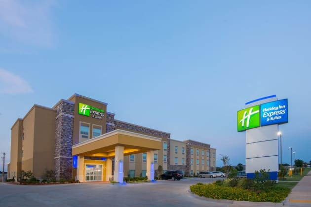Holiday Inn Express & Suites Stillwater - University Area Hotel 1